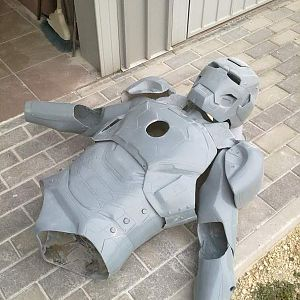 mark 8 real armor cosplay  iron man made dany bao 2012 venice it face book profile dany bao (8)