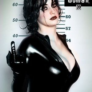 A tongue-in-cheek version of Catwoman # 51. What Selena really would've done.