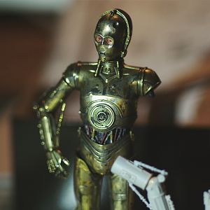 prepping C-3PO's red arm
