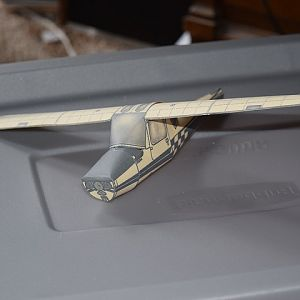 01 Paper model of a Cessna 152, minus the tail.