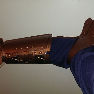Gauntlet and elbow guard first demo