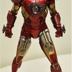 Iron man weapo
