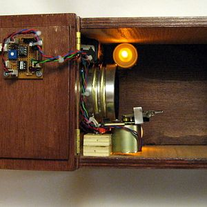 Knock detection circuit on the lid to the left.