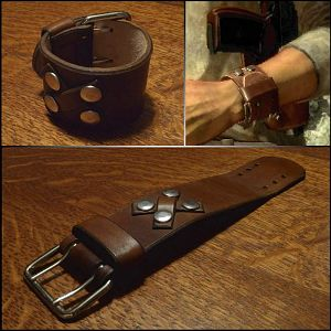 Uncharted 1 wrist cuff - comparision to in-game design